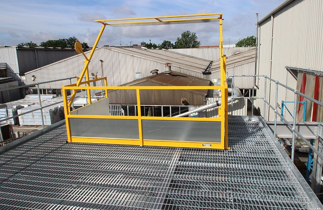 ajax-safe-access-swing-arm-pallet-gate