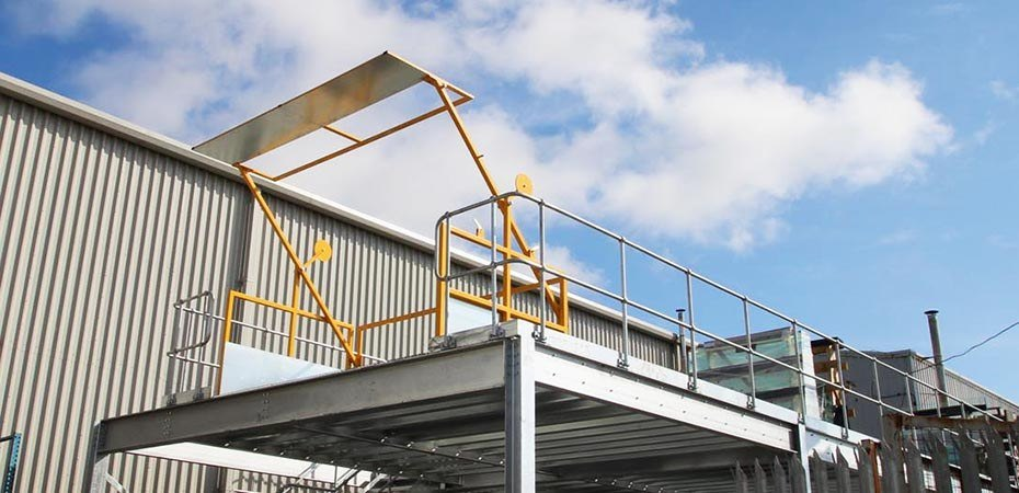 ajax-safe-access-swing-arm-pallet-gate-safety-barrier