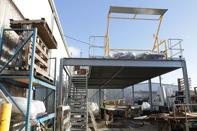 safety-barriers-mezzanine-floor
