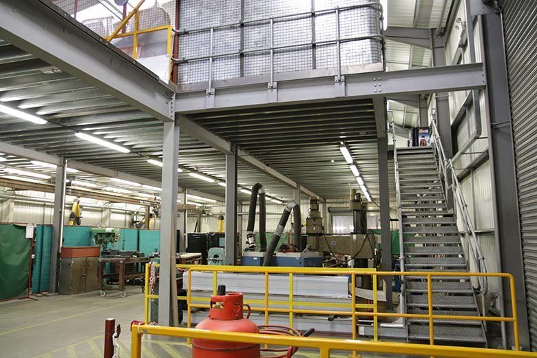 safety-of-mezzanine-floor-barriers-handrails